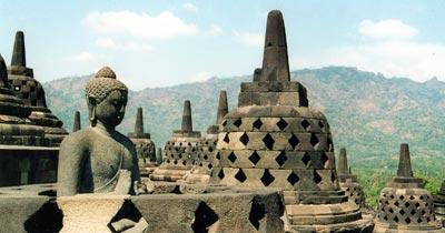 Храм Борободур на острове Ява