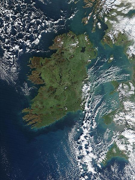 Фото острова Ирландия с космоса