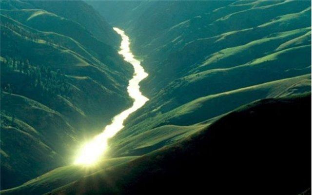 Река на острове Ирландия